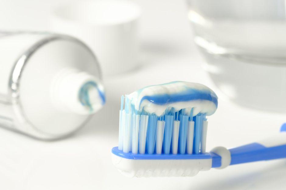 6 usos de la pasta de dientes que desconoces