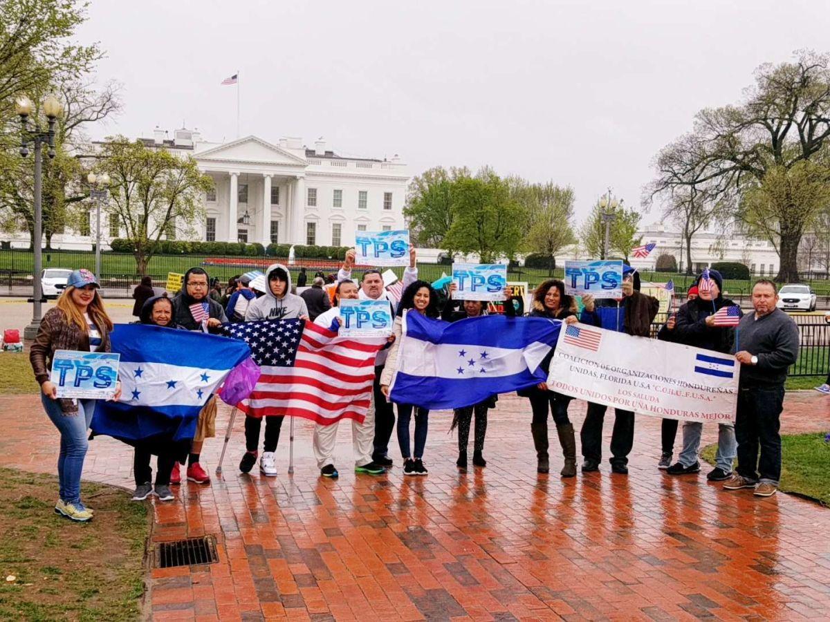 El TPS de Honduras caduca el 5 de julio y los demócratas piden su renovación.