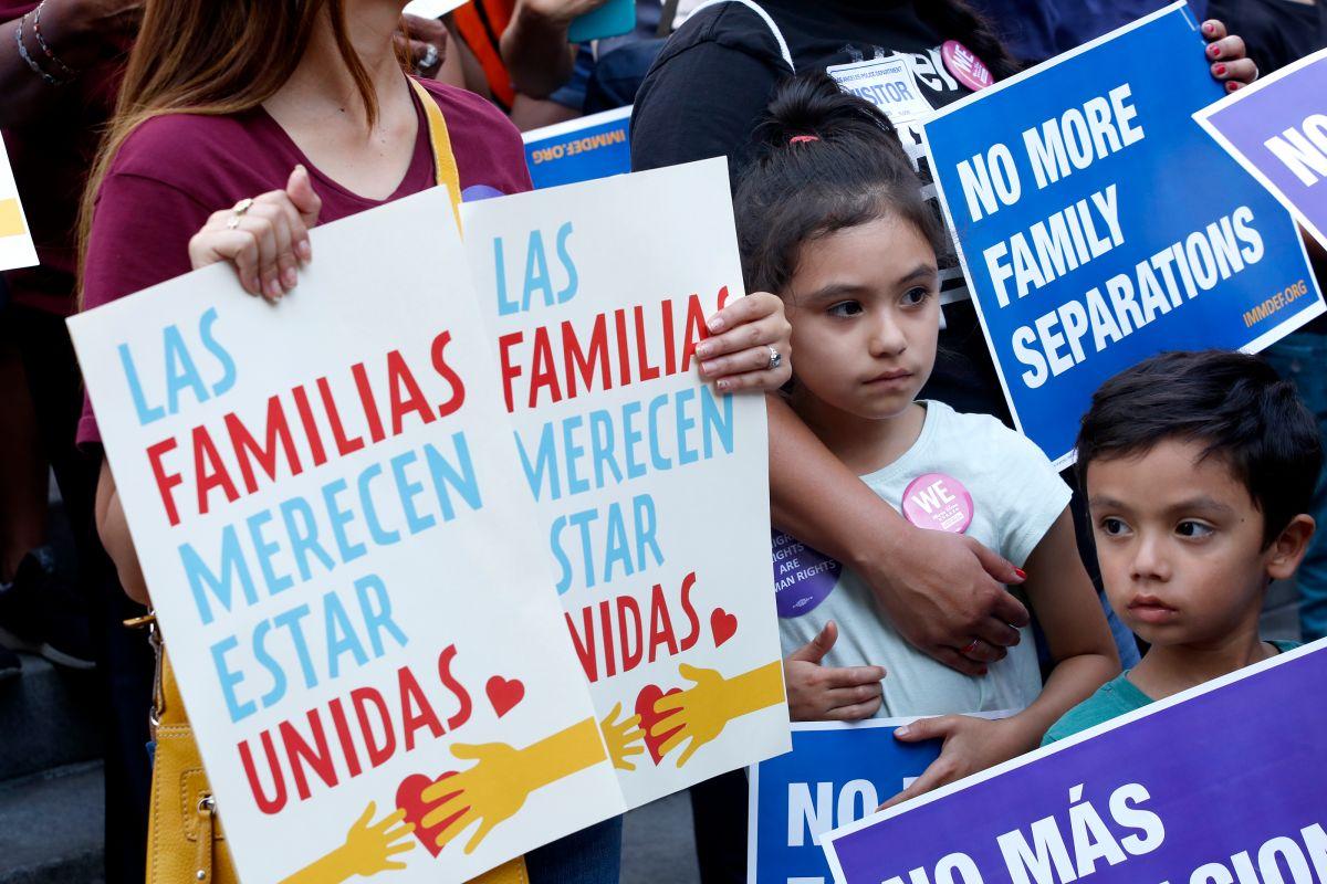 Más de 400 familias liberadas, mientras voluntarios y abogados intentan ayudar a los que faltan