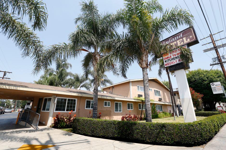 Fiscal de Los Ángeles demanda a motel por operar como burdel y punto de distribución de drogas