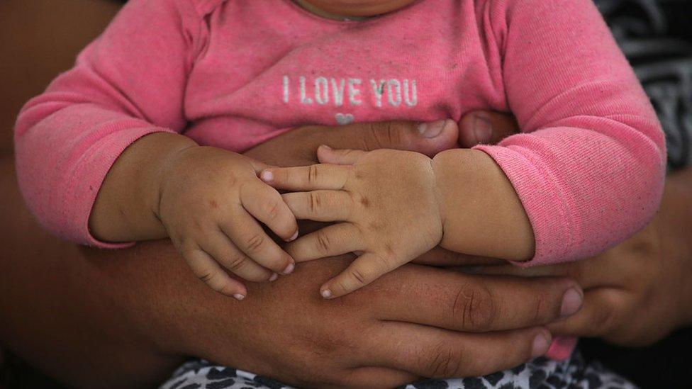 Dónde están los niños separados de sus padres en la frontera con EEUU