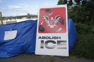 Ciudad de Ocupa ICE en Portland resiste a amenazas federales