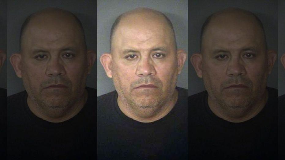 Ayudante del Sheriff abusa de hija de cuatro años de indocumentada y la amenaza con la deportación