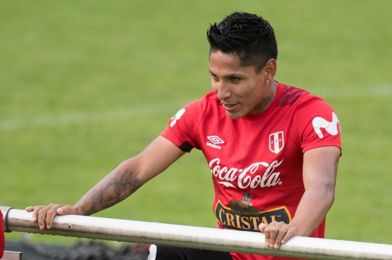 El delantero peruano Raúl Ruidíaz. (Foto: EFE/ Daniel Kopatsch)
