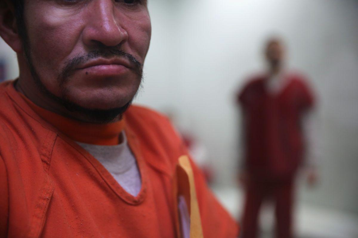 Detenidos por ICE en riesgo de contagio.