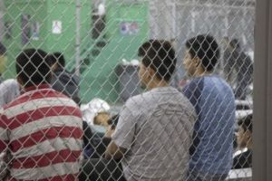 El mayor centro de detención de menores indocumentados aumentará su capacidad