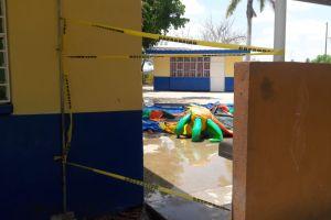 Niño muere en su graduación en México, se electrocutó en brincolín