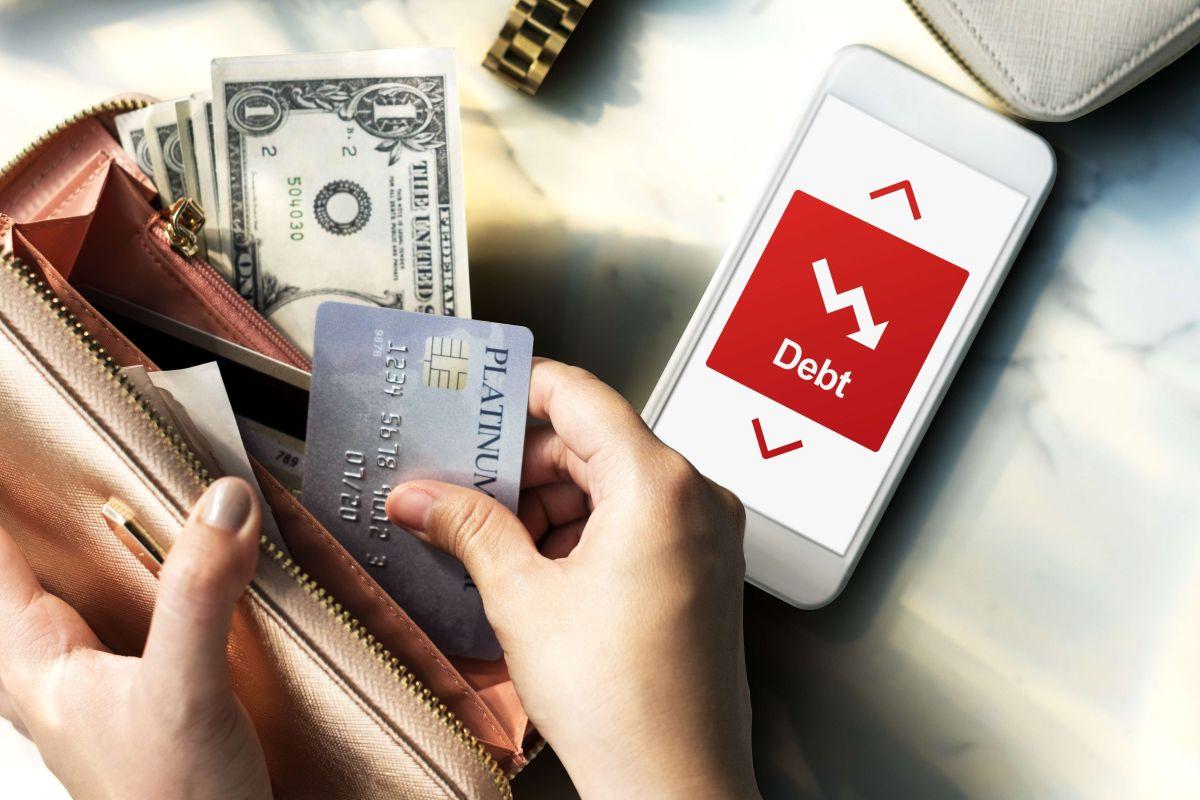 Sí, los cobradores de deudas podrían tomar el dinero de tu cheque de ayuda.