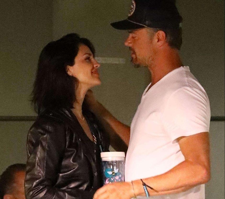 Fotos: Captan a Eiza González y al ex de Fergie besándose en público