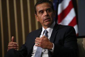 Tras perder primarias, Antonio Villaraigosa asesorará a comercializadora de marihuana