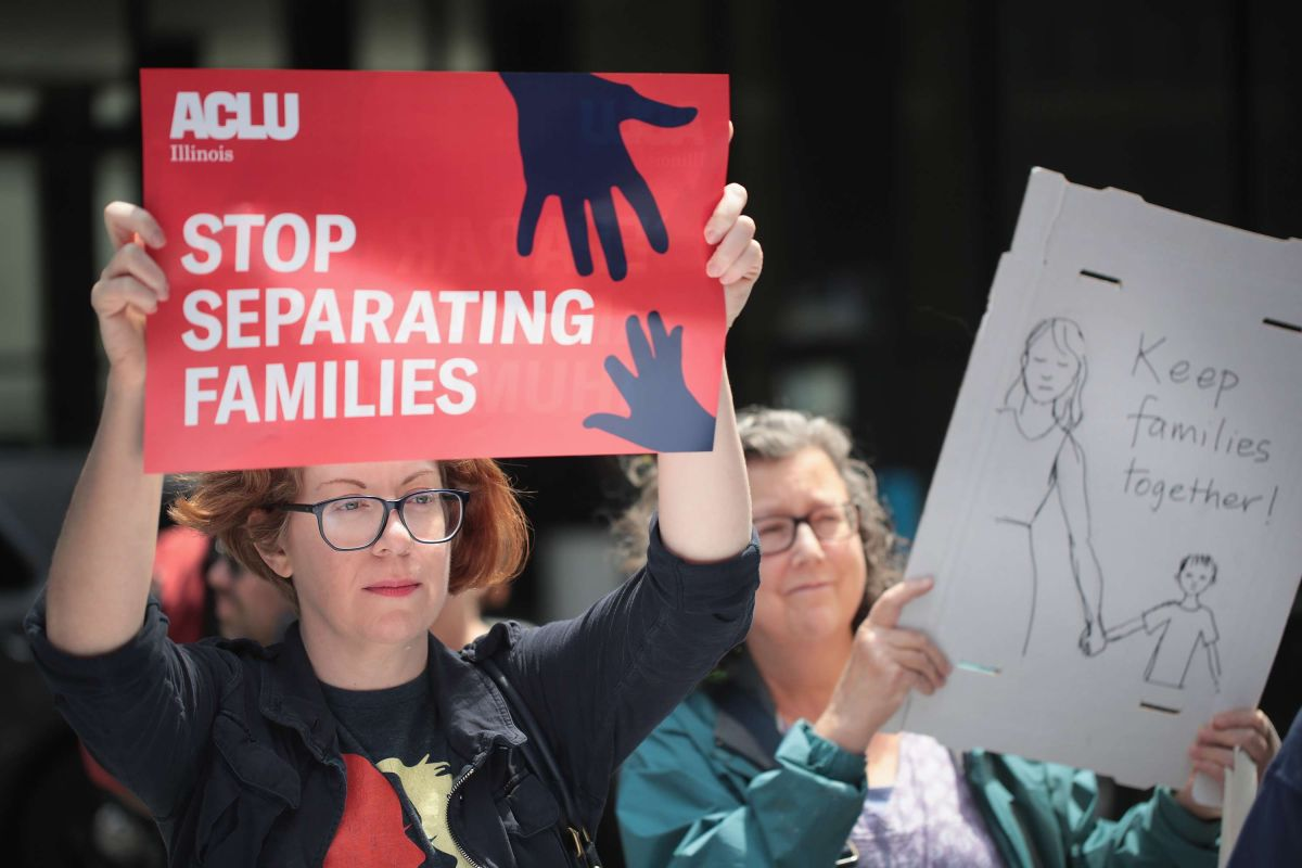 ¿Cómo inmigrantes en peligro de deportación pueden proteger a sus hijos?