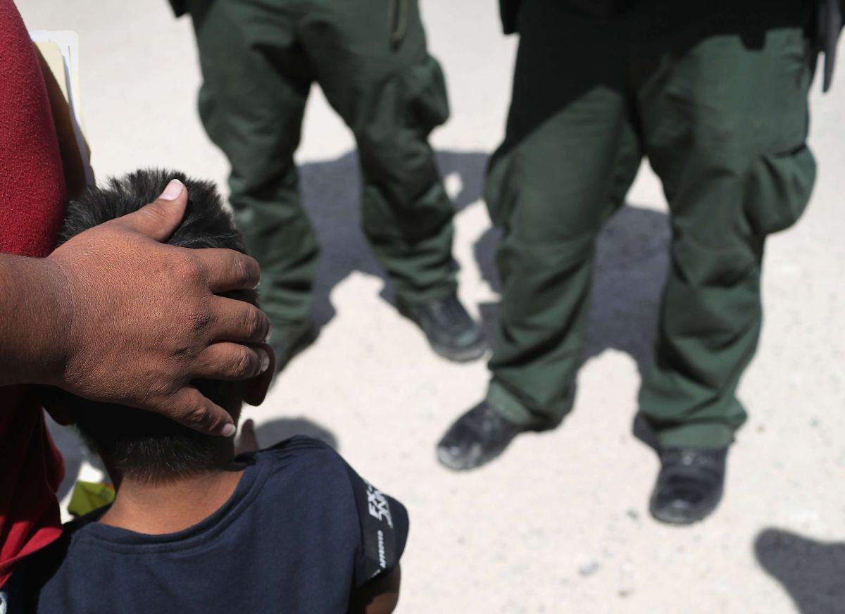 CBP alerta sobre los riesgos de enviar niños solos a cruzar la frontera.