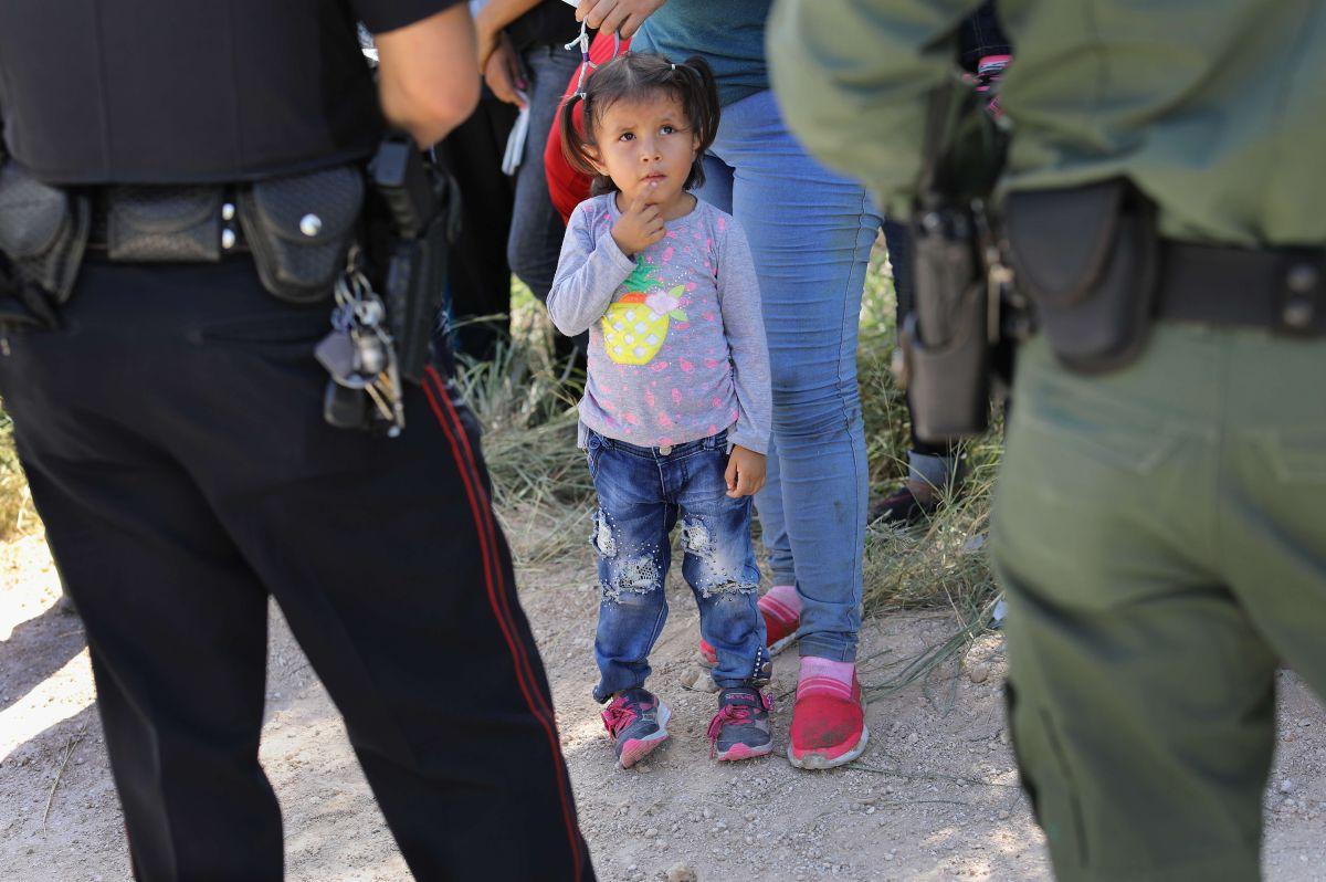Escandaloso audio: Agente de CBP bromea sobre niños que lloran por haber sido separados de sus padres