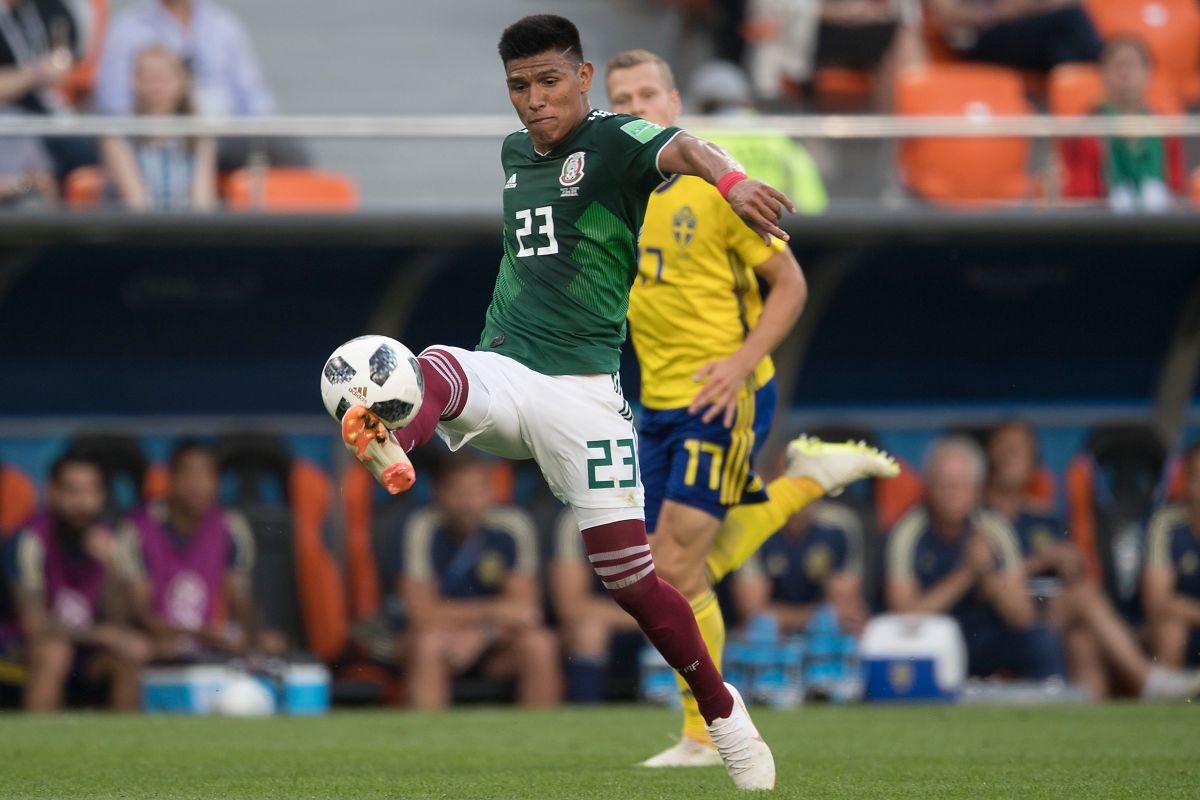 Jesús Gallardo fue amonestado a los 13 segundos de iniciado el partido