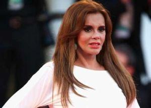 Lucía Méndez gana demanda por difamación y Alex Kaffie se disculpa públicamente