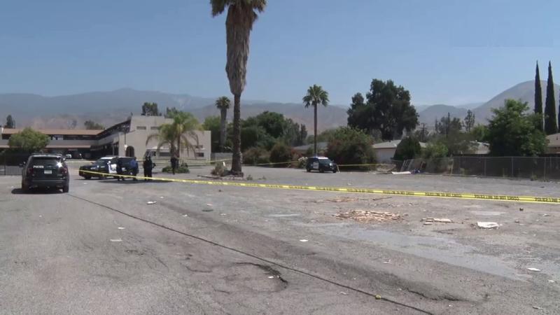 Aparece un cuerpo de mujer en descomposición en una caja en San Bernardino