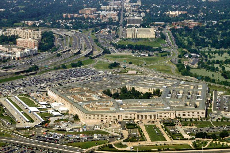 El Pentágono estudia enviar 20 mil niños inmigrantes a bases militares como hizo Obama