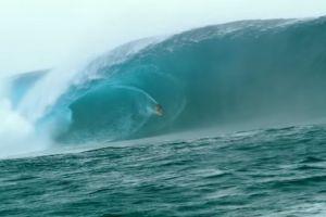 """Video: Quiso surfear en la ola """"más grande del siglo"""" pero algo no salió bien"""