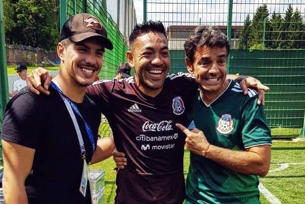 Eugenio Derbez visitó a la selección mexicana en su entrenamiento