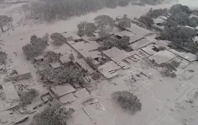 Video: Vista aérea muestra desolador panorama en Guatemala tras erupción del Volcán de Fuego