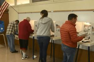 118,522 nombres de votantes de L.A. omitidos por error en las elecciones