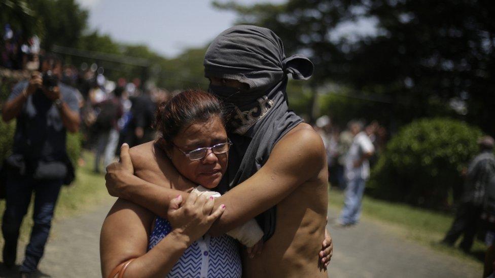 Nicaragua: Las dramáticas 15 horas que estuvieron bajo fuego los estudiantes en una iglesia