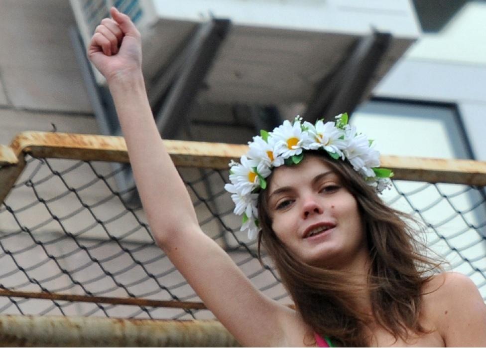 Quién era Oksana Shachko, fundadora del grupo feminista Femen que apareció muerta a los 31 años