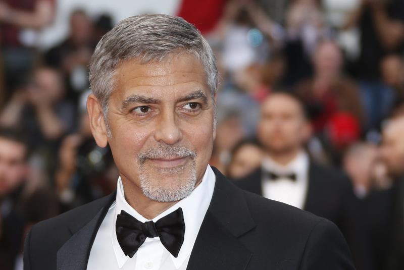 George Clooney sufre accidente de moto