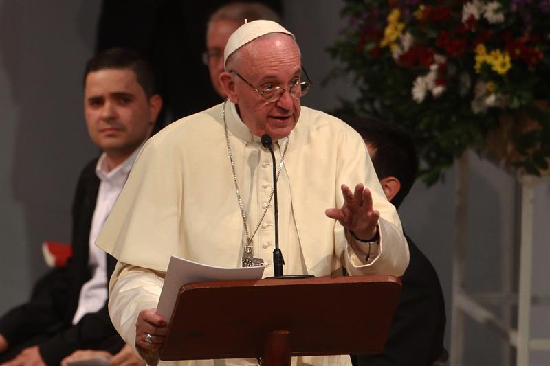 El papa Francisco convoca a cumbre mundial por abusos sexuales contra menores