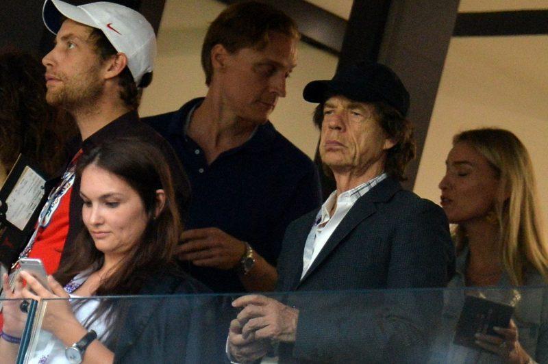 Mick Jagger asistió este miércoles al estadio Luzhniki para ver el Inglaterra vs. Croacia. Foto: EFE/EPA/PETER POWELL