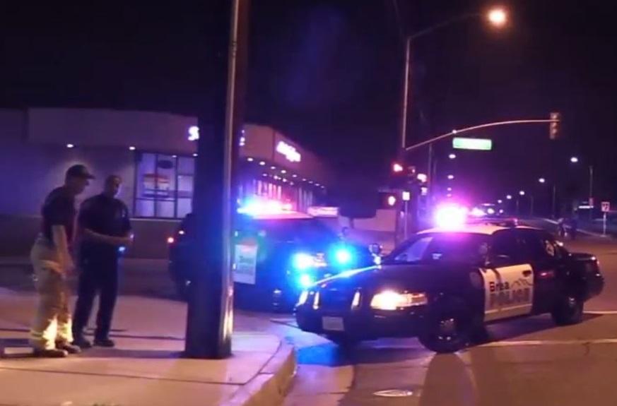 Mujer muere tras saltar de auto en movimiento en el condado de Orange