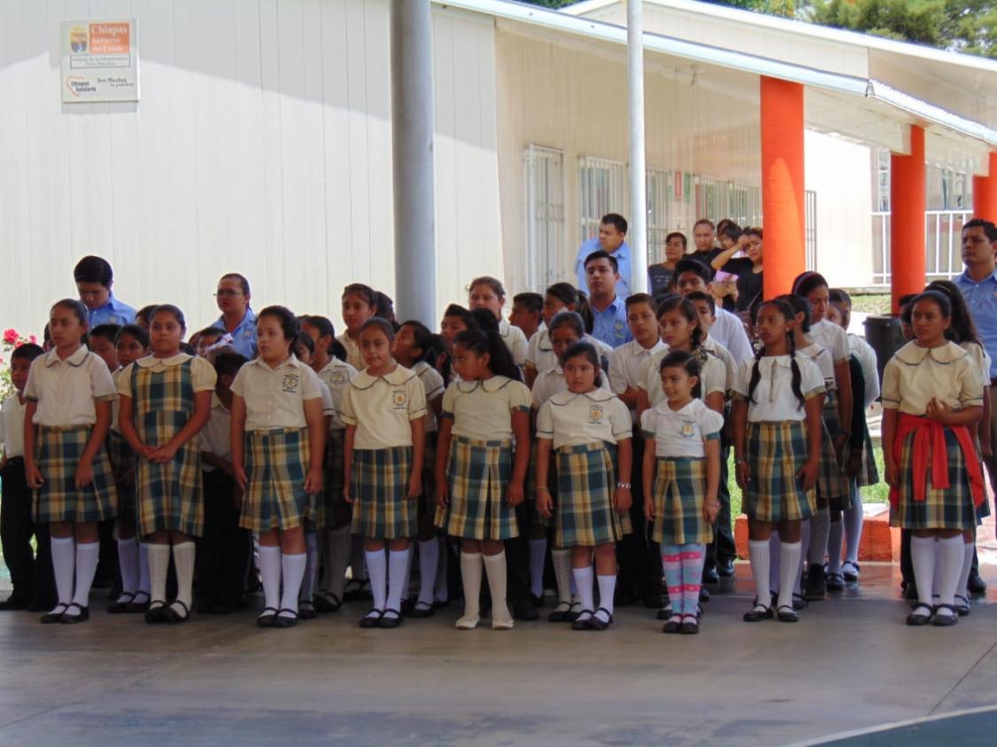 Hay 31 millones de estudiantes de educación básica y media superior en México.
