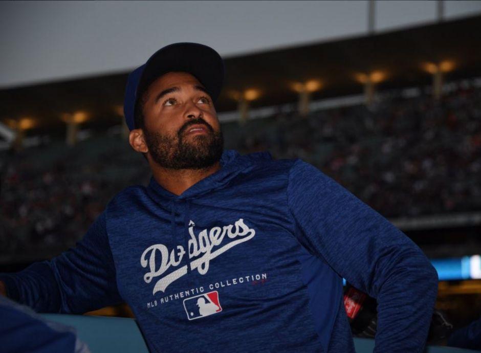 Apagón interrumpe juego de béisbol de los Dodgers