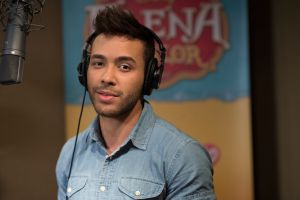 Prince Royce y estrellas latinas se unen a película 'Elena of Avalor: Song of the Sirenas'
