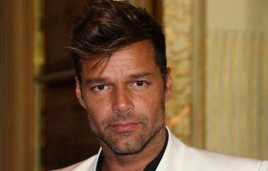 Ricky Martin le robó un beso al conductor de Viña Del Mar