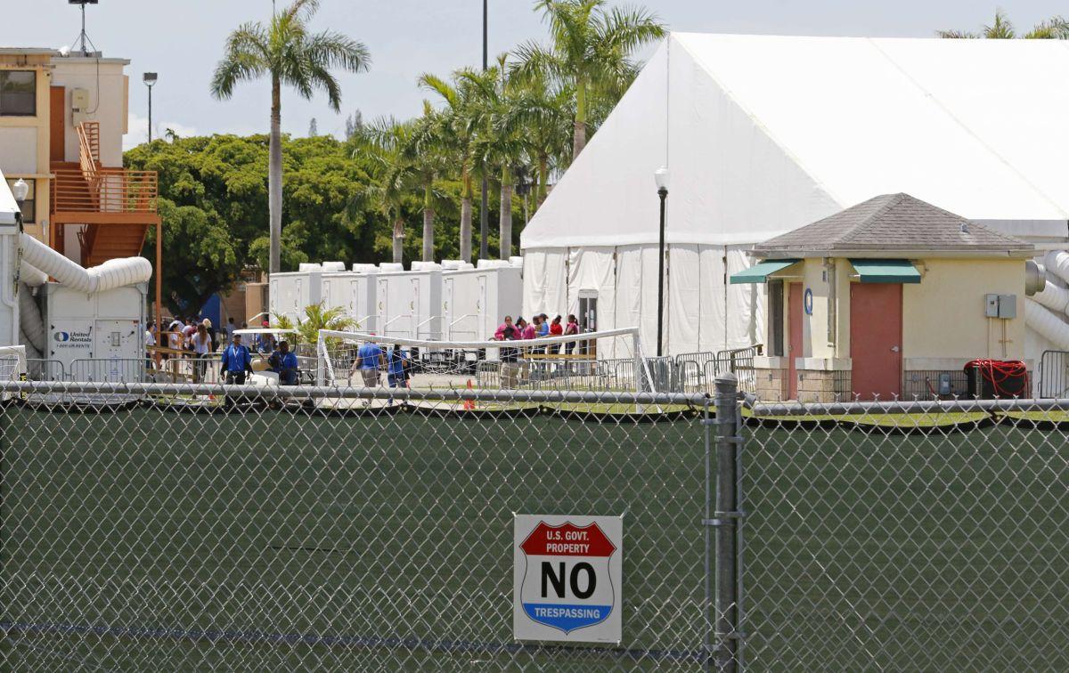 Centro de detención temporal para niños no acompañados en Homestead, Florida.