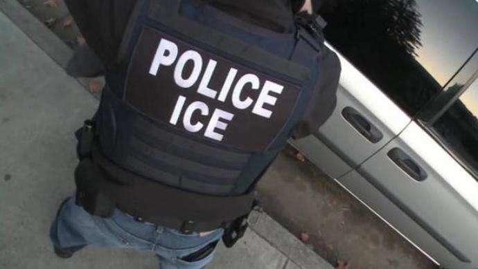 ICE afirma que 16 de los detenidos eran delincuentes previamente capturados.