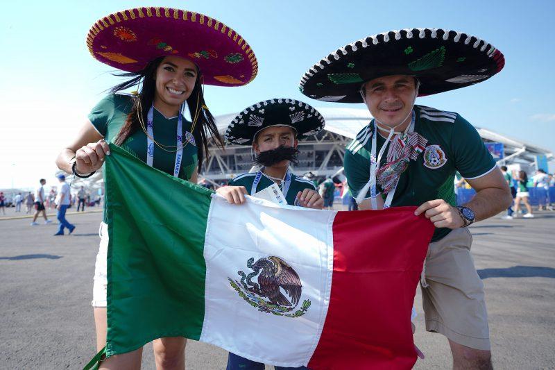 Aficionados de México, a las afueras del estadio Arena Samara. (Foto: Imago7)