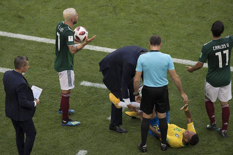 La escena del drama de Neymar ante un contacto de Layún en la Arena Samara. (Foto: Imago7/ Etzel Espinosa)