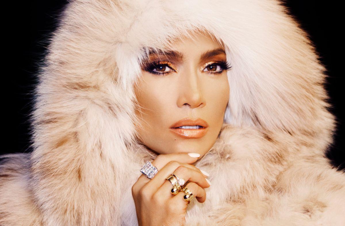 Jennifer Lopez subastará su ropa