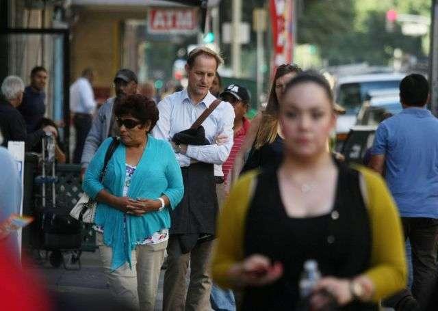 Pobres pero sanos: La mayoría de las personas de bajos ingresos de CA prefieren el confinamiento