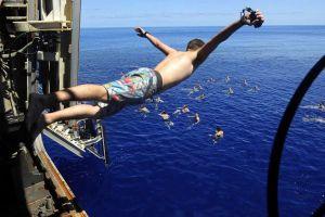 Parece que están de vacaciones, pero así entrenan los marinos