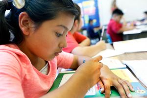 Universidad de Guadalajara ofrece curso gratuito de español para niños en Los Ángeles