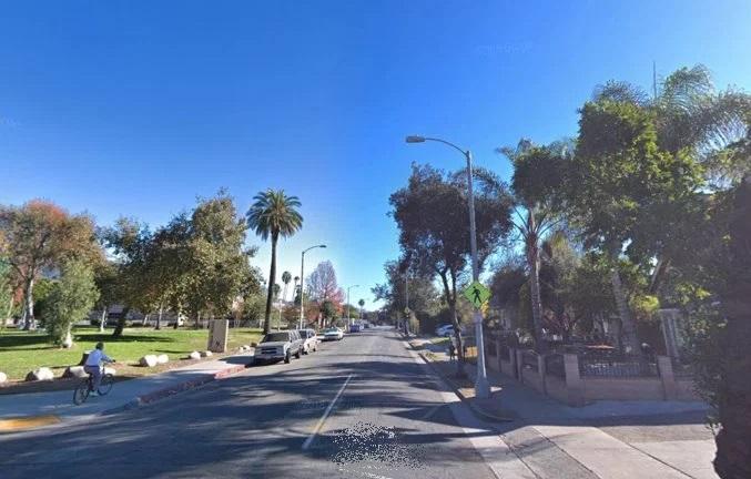 Hombre de 35 años aparece muerto a tiros en auto de Pasadena