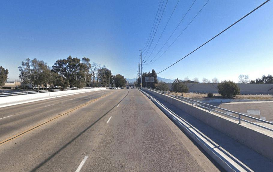 Hombre encontrado fatalmente baleado en vehículo tras golpear a ciclista en Santa Ana