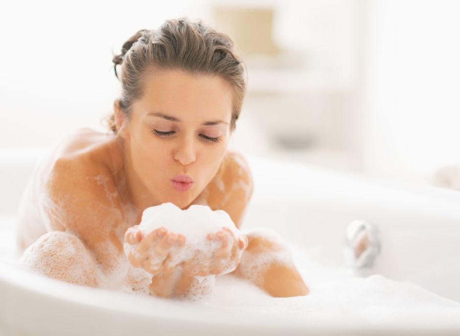 Y tú, ¿qué acostumbras a hacer dentro del baño?