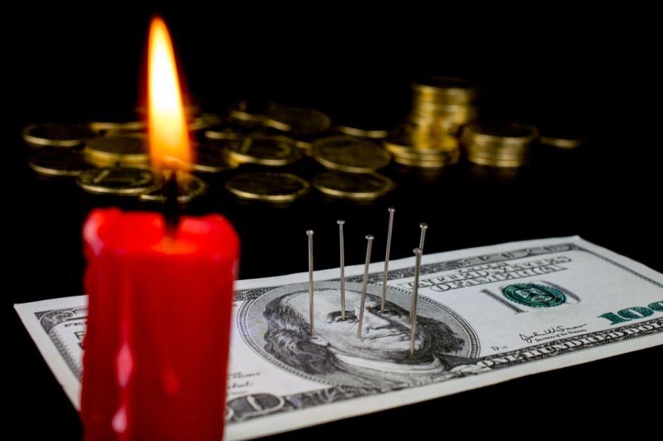 7 rituales para atraer dinero rápidamente
