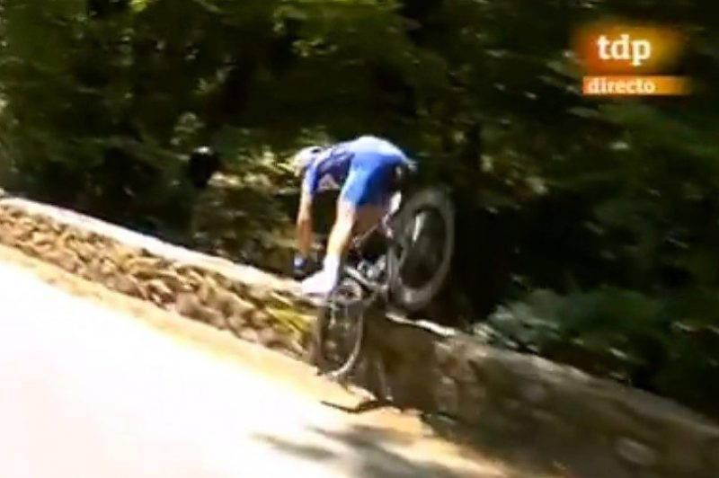 La espectacular caída en el Tour de France de la que todo el mundo habla