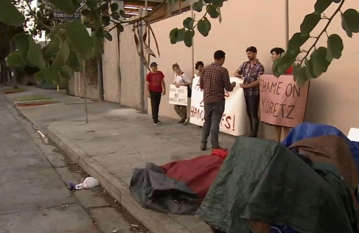 Desalojo a desamparados suscita reacciones diversas en comunidad de West Hollywood