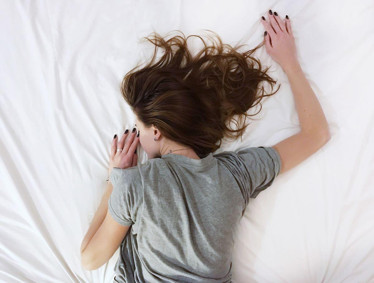 Un buen colchón, así como una buena almohada y la postura correcta para dormir, permiten relajarse y tener un descanso profundo.